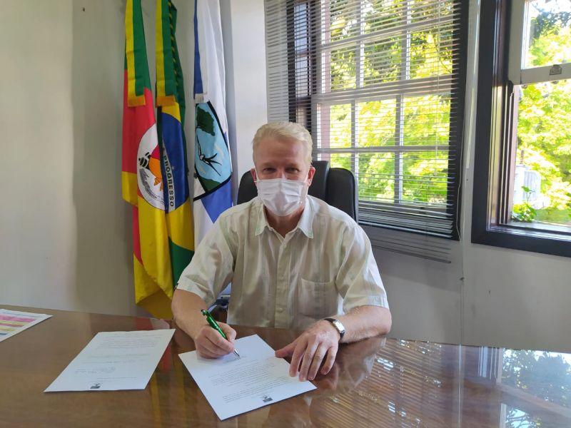 Foto de capa da notícia: Administração Municipal propõe medidas para fazer frente à pandemia
