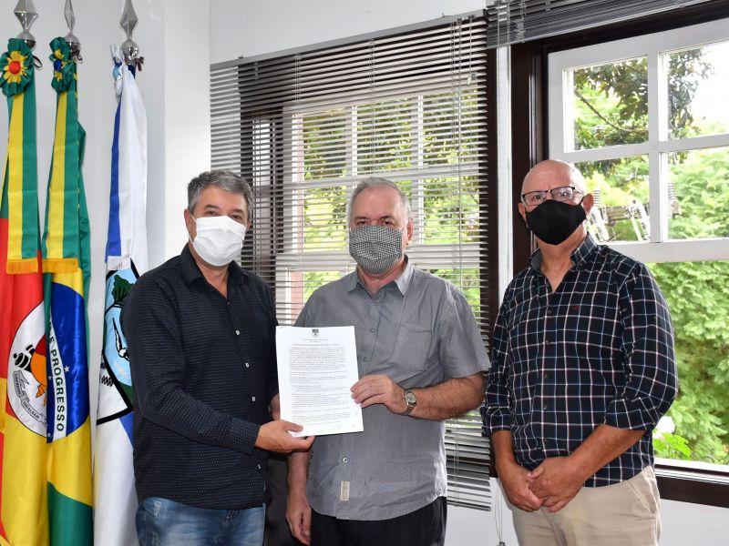 Foto de capa da notícia: Município renova contrato com a Diocese para uso de banheiros