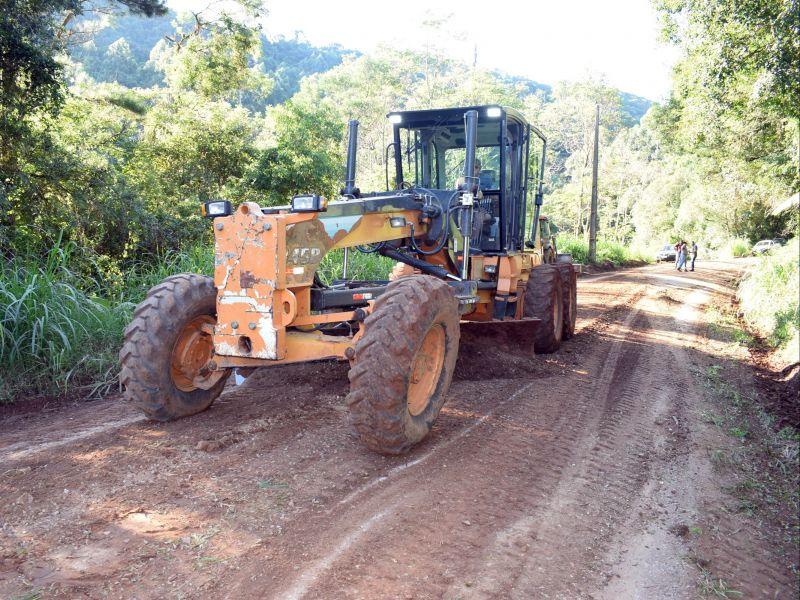 Foto de capa da notícia: Secretaria de Obras inicia a recuperação da Estrada de Arroio Paixão