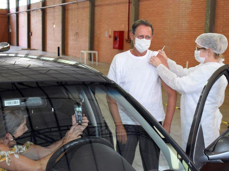 Foto de capa da notícia: Nova Petrópolis começa a vacinar idosos de 63 anos nesta terça-feira, dia 13