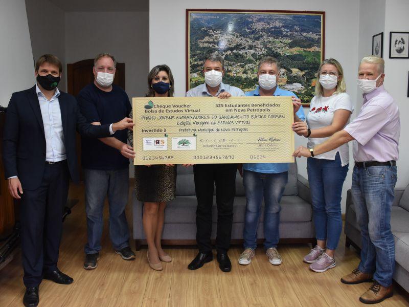 """Foto de capa da notícia: Nova Petrópolis é contemplada com projeto """"Jovens Embaixadores do Saneamento Básico"""""""