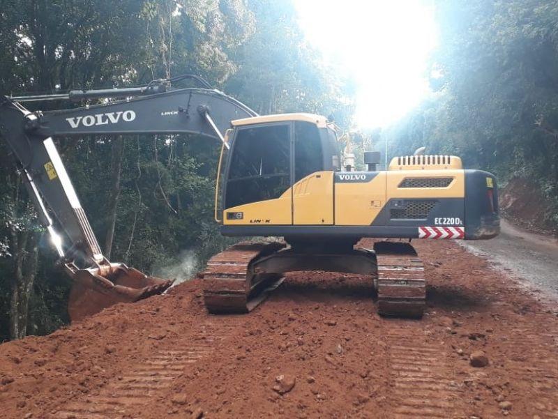 Foto de capa da notícia: Três obras de asfaltamento avançam em Nova Petrópolis