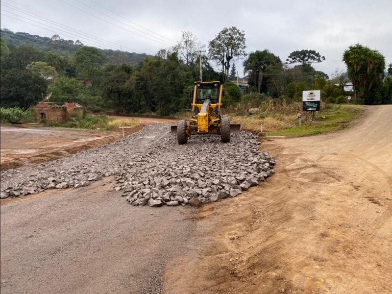 Foto de capa da notícia: Secretaria de Obras inicia os preparativos para o asfaltamento da Rua da Usina