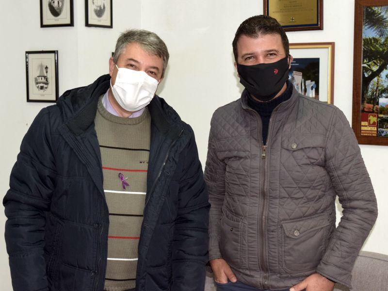 Foto de capa da notícia: Prefeito Jorge Darlei Wolf recebe o deputado Neri, o Carteiro