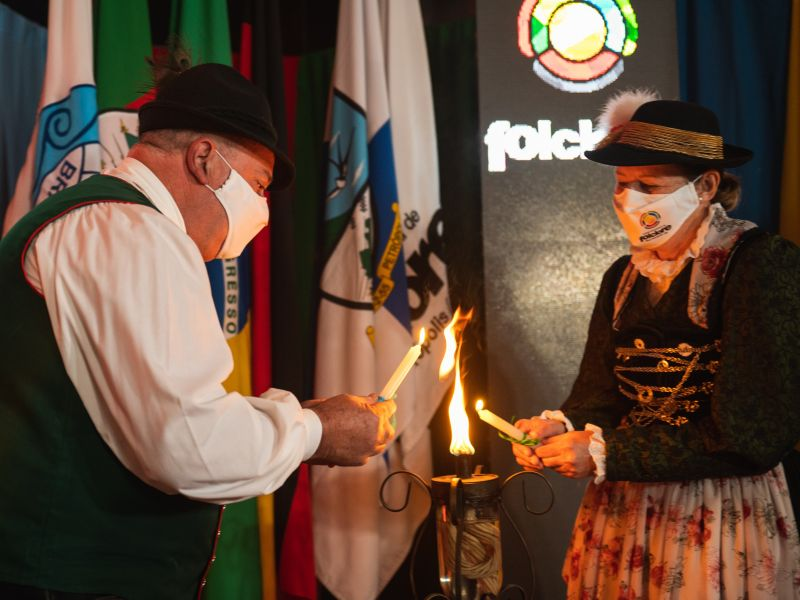 """Foto de capa da notícia: Abertura oficial do 48º Festival Internacional de Folclore de Nova Petrópolis celebra """"um mundo mais colorido com a diversidade"""""""