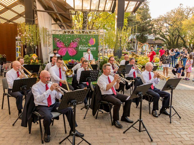 Foto de capa da notícia: Banda Municipal de Nova Petrópolis realiza a primeira apresentação no ano de seu cinquentenário