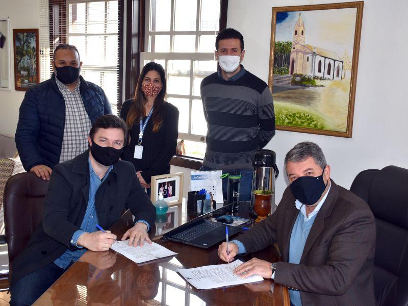 Foto de capa da notícia: ACINP e Prefeitura de Nova Petrópolis unem esforços em prol do Natal de 2021