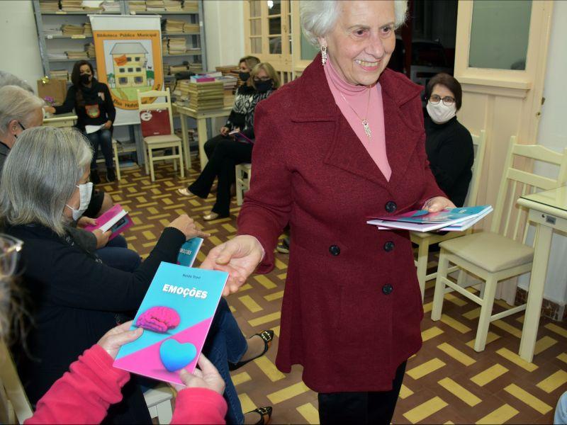 Foto de capa da notícia: Biblioteca Municipal realiza a 24ª Literatura Comentada