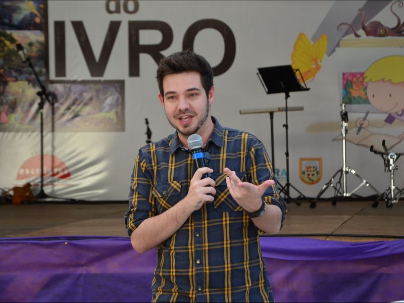 Foto de capa da notícia: Feriado terá live com o escritor Pedro Guerra na Feira do Livro de Nova Petrópolis