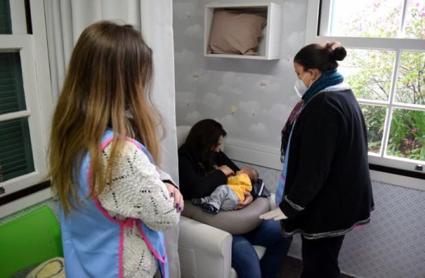 Foto de capa da notícia: Grupo Apoio ao Aleitamento Materno mantém grupo de WhatsApp para gestantes e lactantes