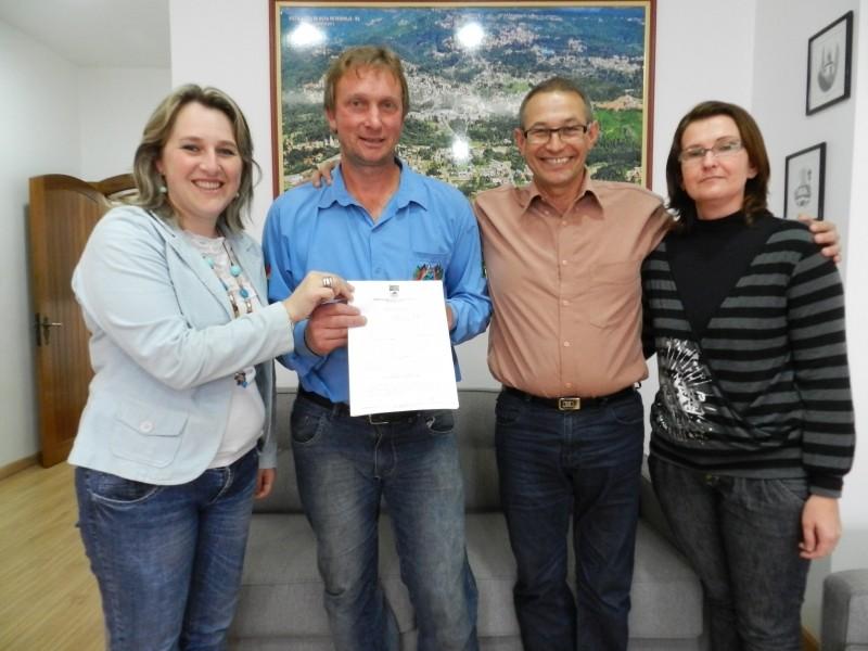 Foto de capa da notícia: Firmada parceria entre Prefeitura e CTG Pousada da Serra