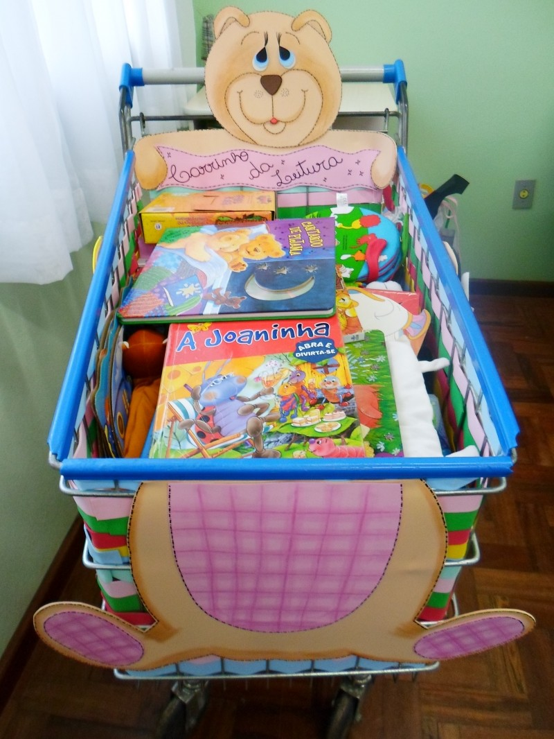 Foto de capa da notícia: Escola de Educação Infantil desenvolve Carrinho da Leitura