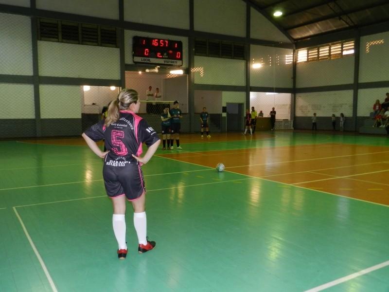 Foto de capa da notícia: Começou o municipal de Futsal Feminino
