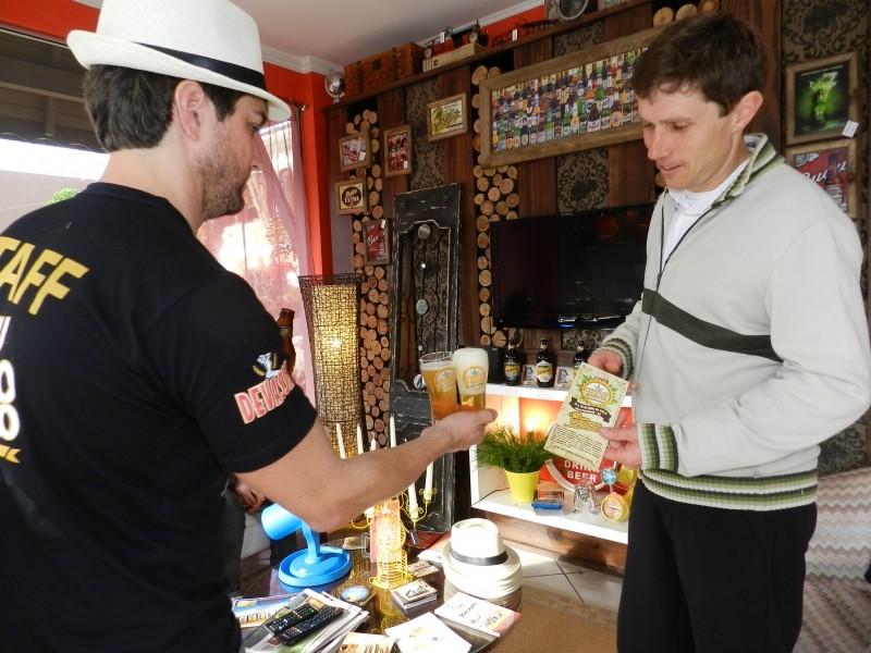 Foto de capa da notícia: QG do Cervejomaníacos orienta visitantes