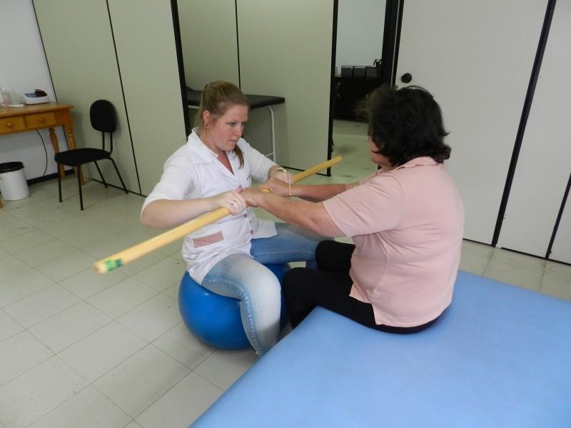 Foto de capa da notícia: Secretaria da Saúde oferece serviço de fisioterapia