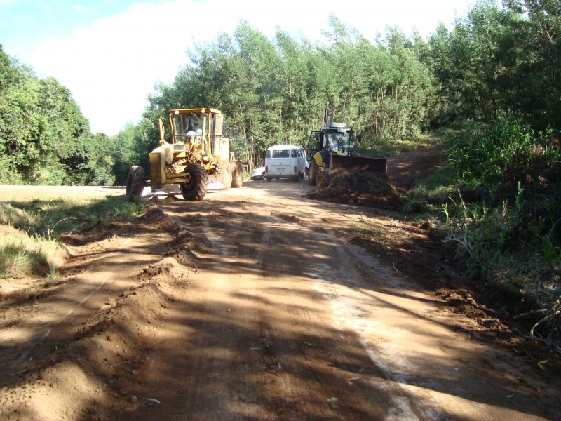 Foto de capa da notícia: Linha Stille Eck recebe recuperação de estradas