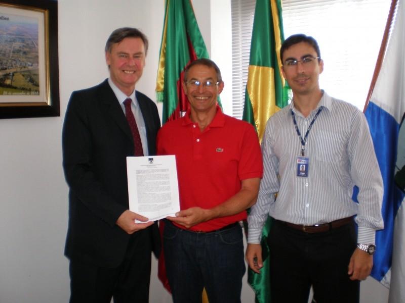 Foto de capa da notícia: Prefeitura implanta novo sistema de informática