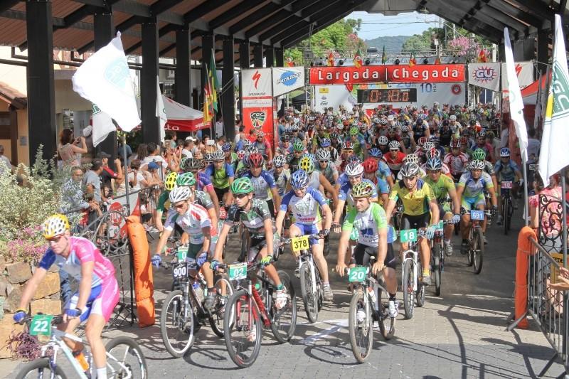 Foto de capa da notícia: Maratona de Mountain Bike testou atletas no domingo