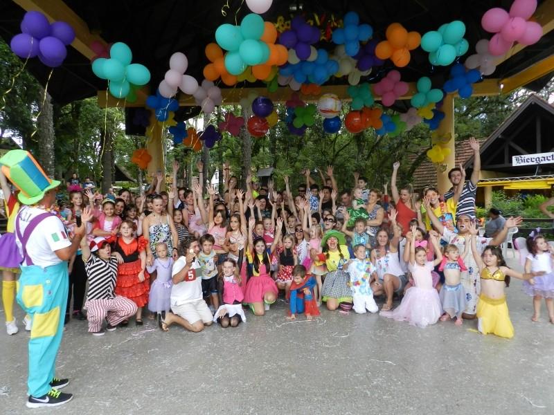Foto de capa da notícia: Carnaval das Crianças alegrou a tarde no Parque do Imigrante
