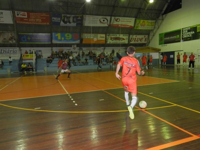 Foto de capa da notícia: Definidos os classificados da 1ª Divisão do Futsal