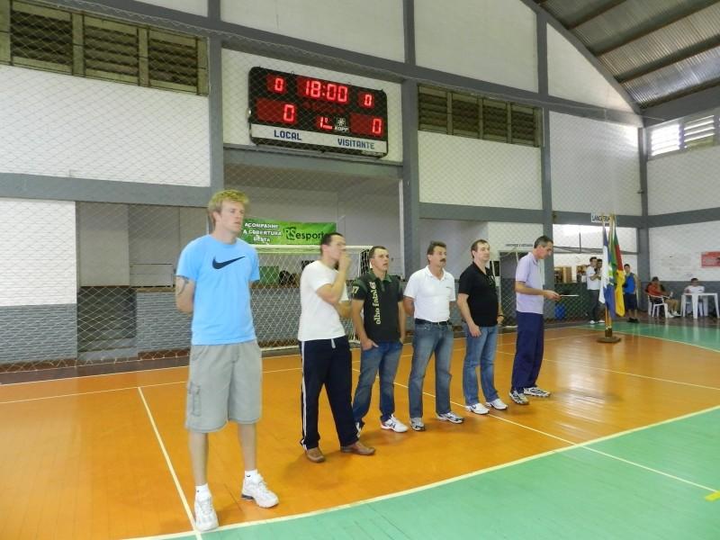 Foto de capa da notícia: Abertura do Futsal sub 15 e sub 17 teve chuva de gols