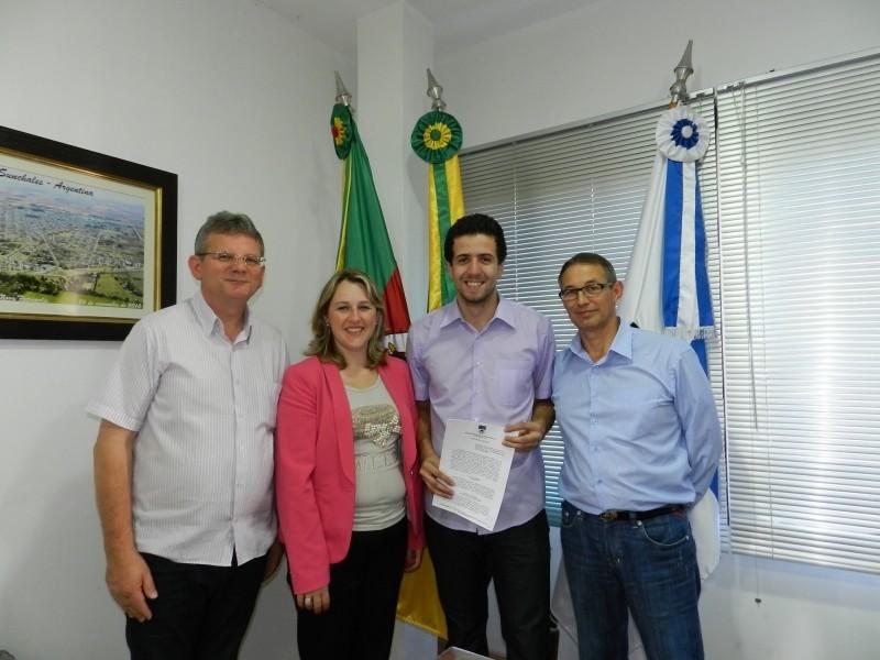 Foto de capa da notícia: Prefeitura municipal assina convênio com a AUNP