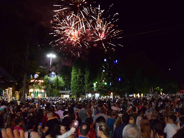 Foto de capa da notícia: Nova Petrópolis recebe 2019 com música e show de fogos