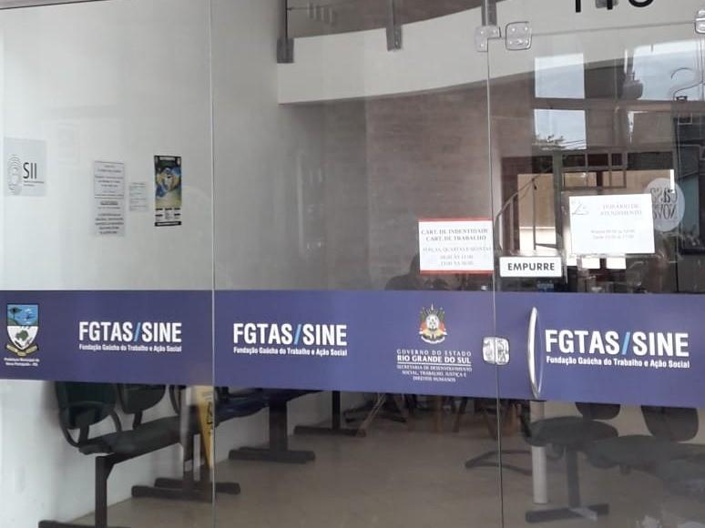 Foto de capa da notícia: Atualização de sistema suspende emissão de Carteiras de Identidade