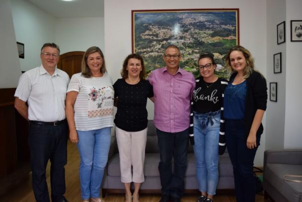 Foto de capa da notícia: Escolas Augusto Guilherme Gaedicke e Luiz Loeser terão novas equipes diretivas