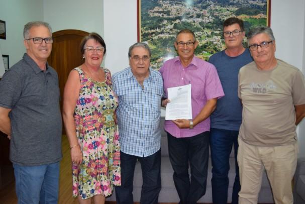 Foto de capa da notícia: Prefeito de Nova Petrópolis recebe diretoria do Consepro 2019-2021