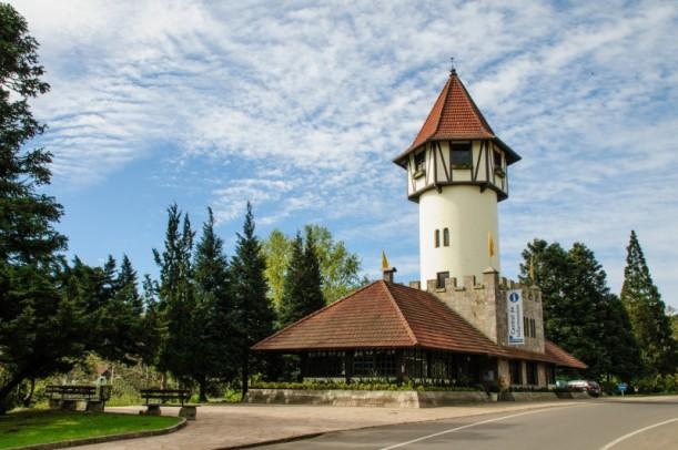 Foto de capa da notícia: Torre de Informações Turísticas recebe manutenção