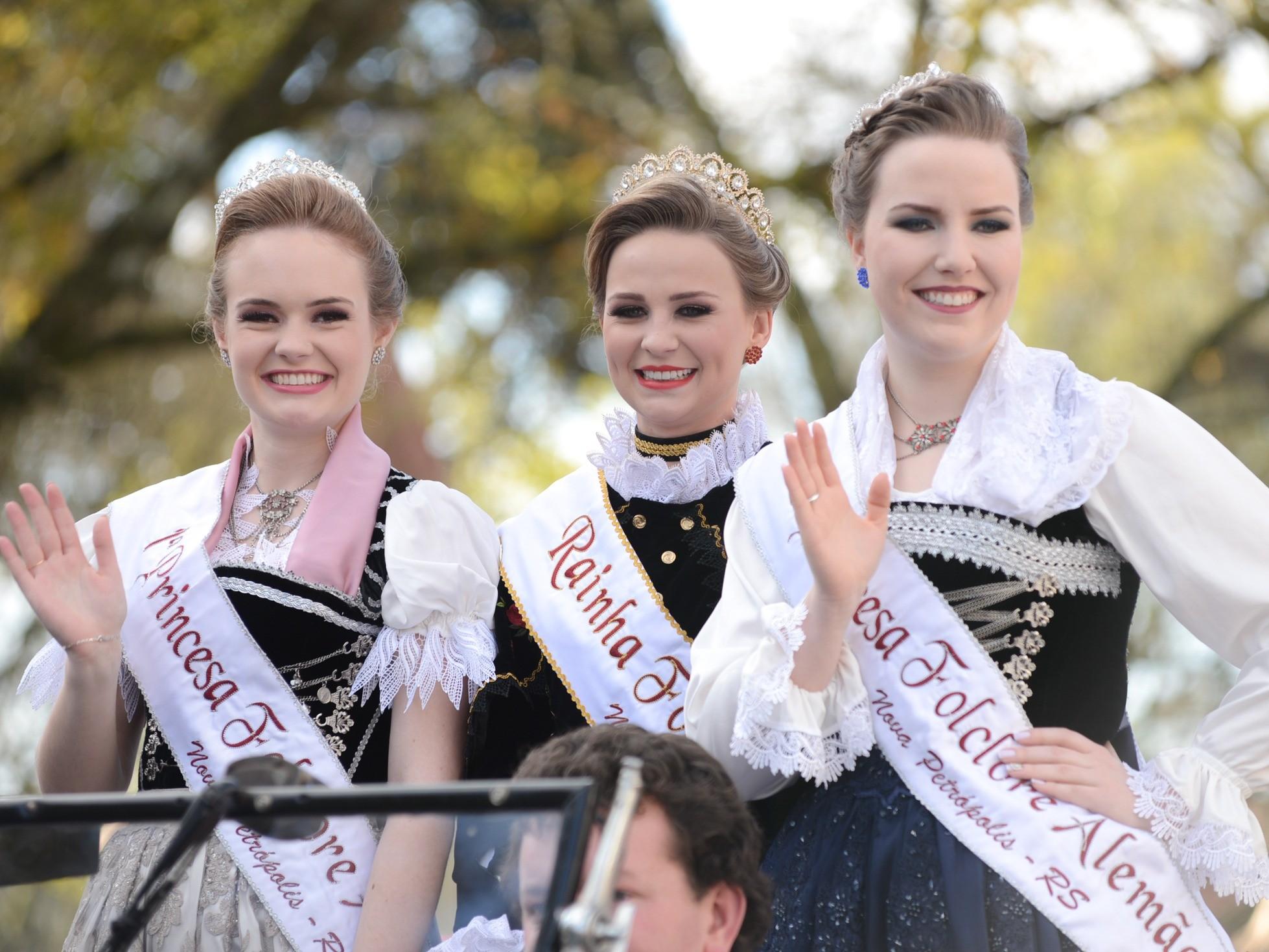 Foto de capa da notícia: Soberanas do Folclore Alemão se despedem do reinado