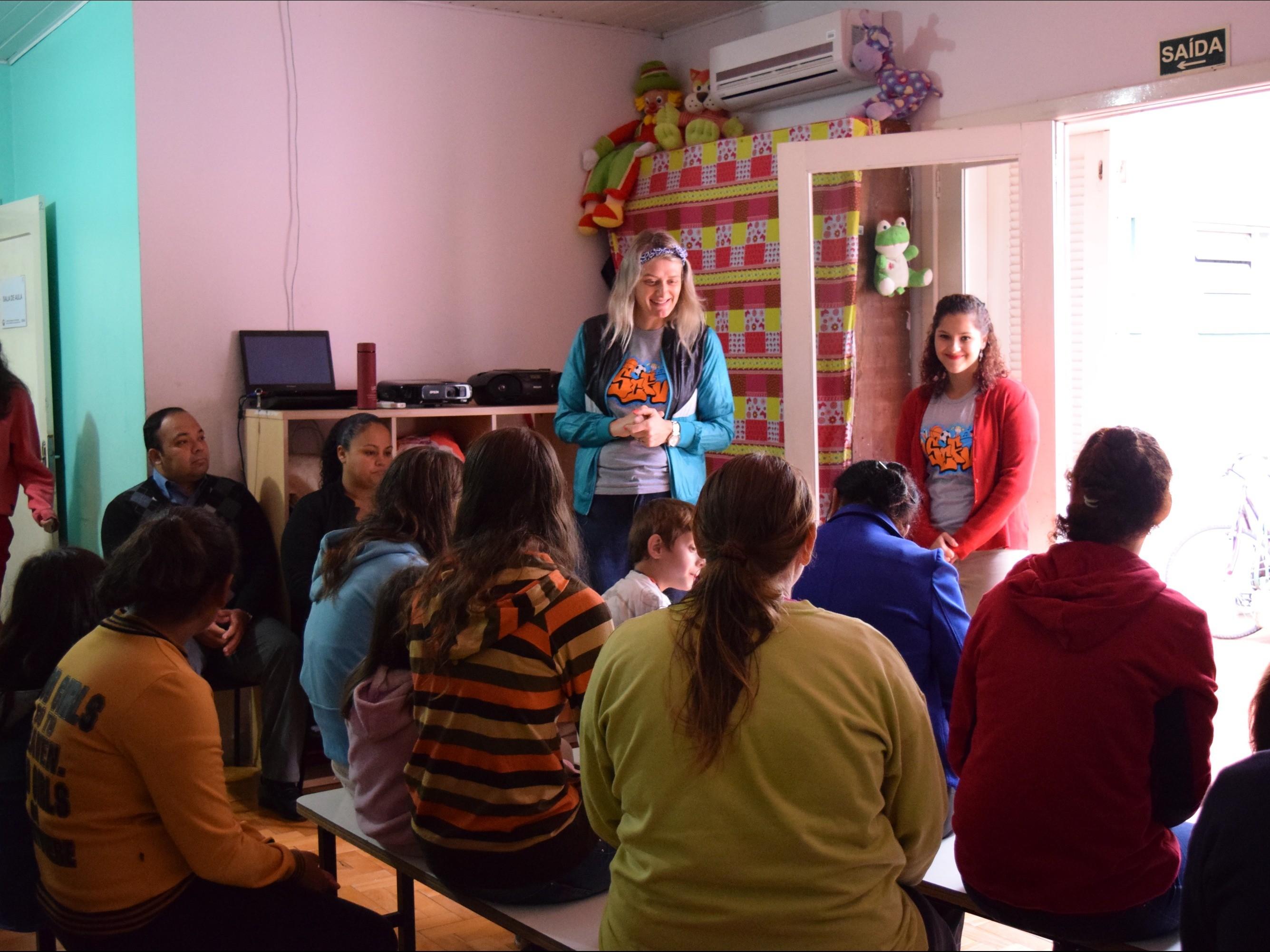 """Foto de capa da notícia: SCFV reúne famílias para """"Dia de quem cuida de mim!"""""""