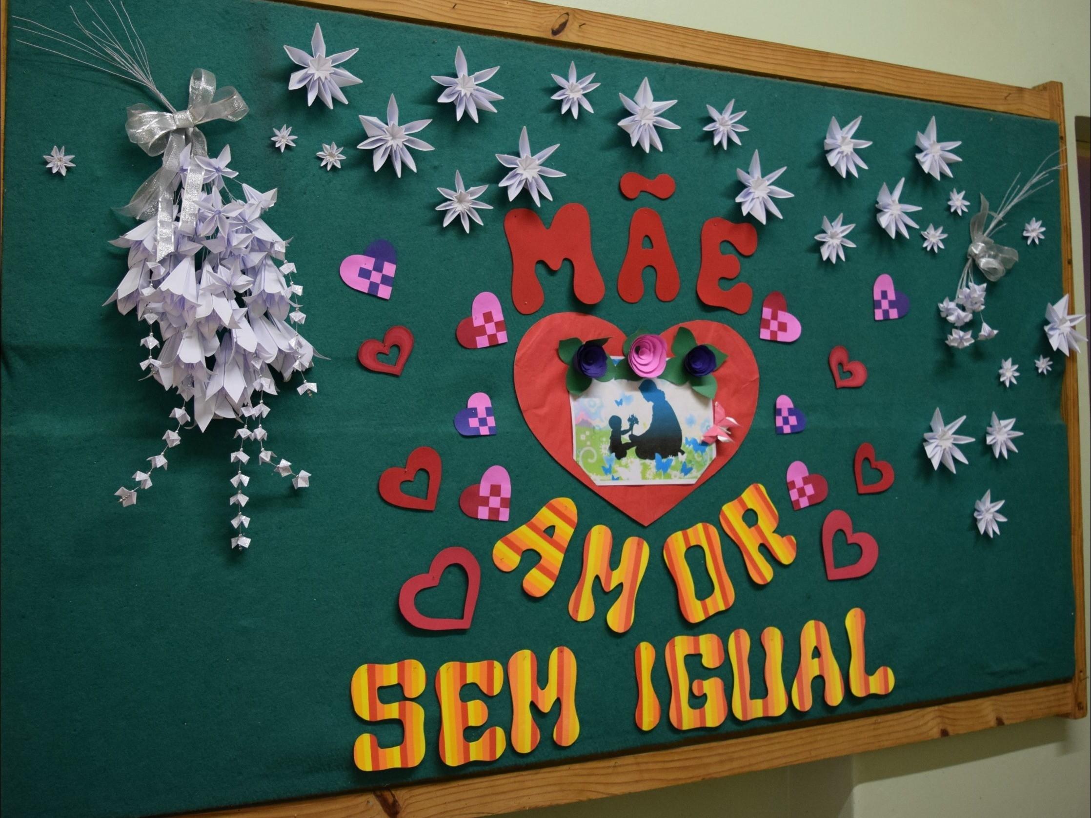 Foto de capa da notícia: Sarau das Mães na Biblioteca Pública Municipal emociona participantes