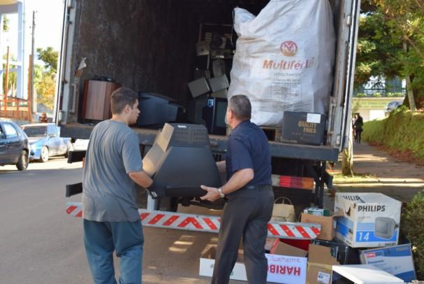 Foto de capa da notícia: Nova Petrópolis coletou quase 8 toneladas de lixo eletrônico