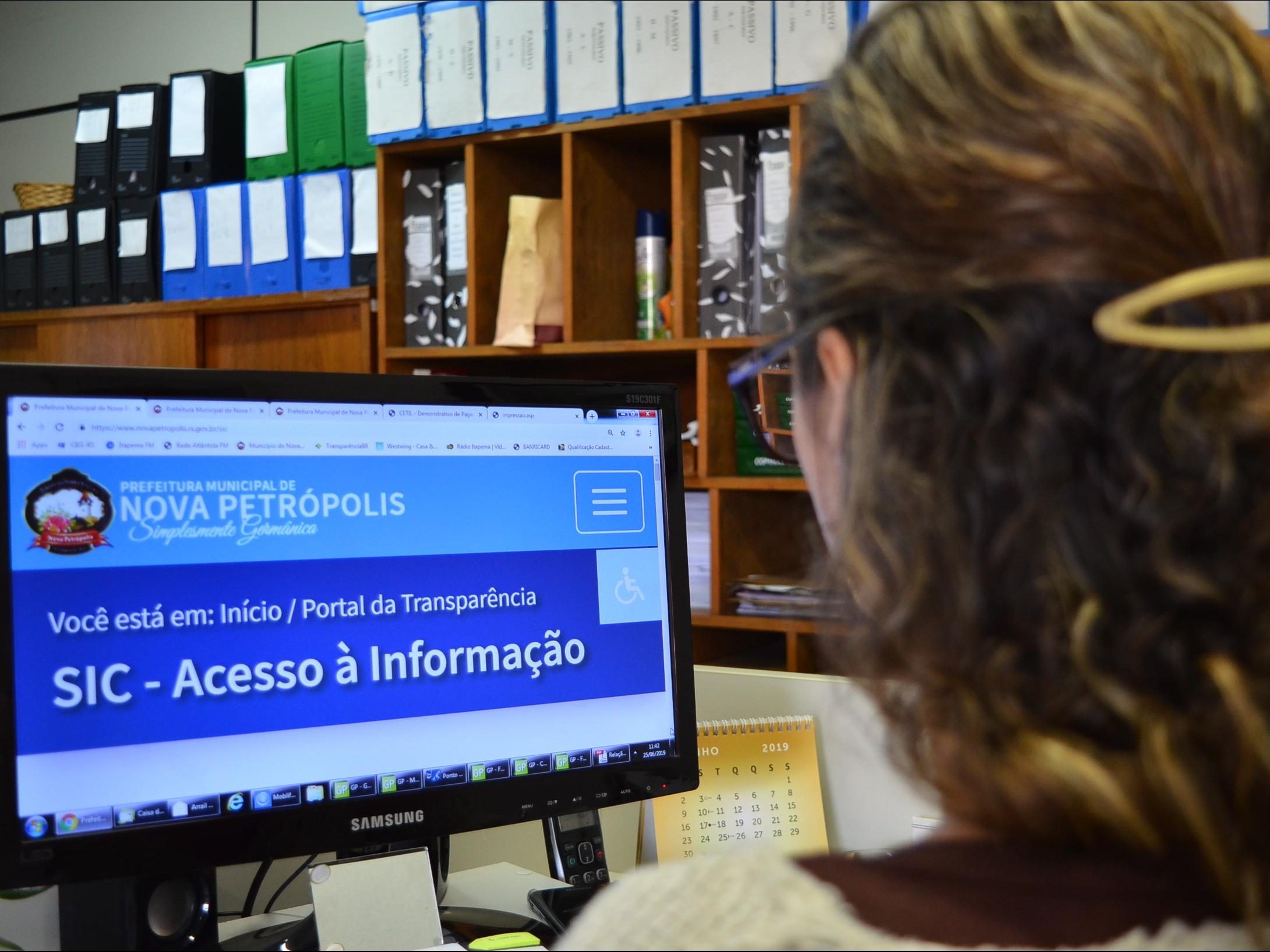 Foto de capa da notícia: Site da Prefeitura de Nova Petrópolis conquista 100% de transparência