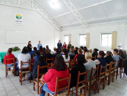 Foto de capa da notícia: Capacitação de merendeiras reúne profissionais de Nova Petrópolis e Picada Café