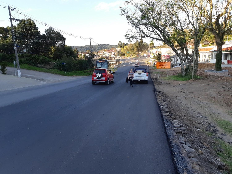 Foto de capa da notícia: Nova Petrópolis solicita urgente sinalização do acostamento da ERS-235