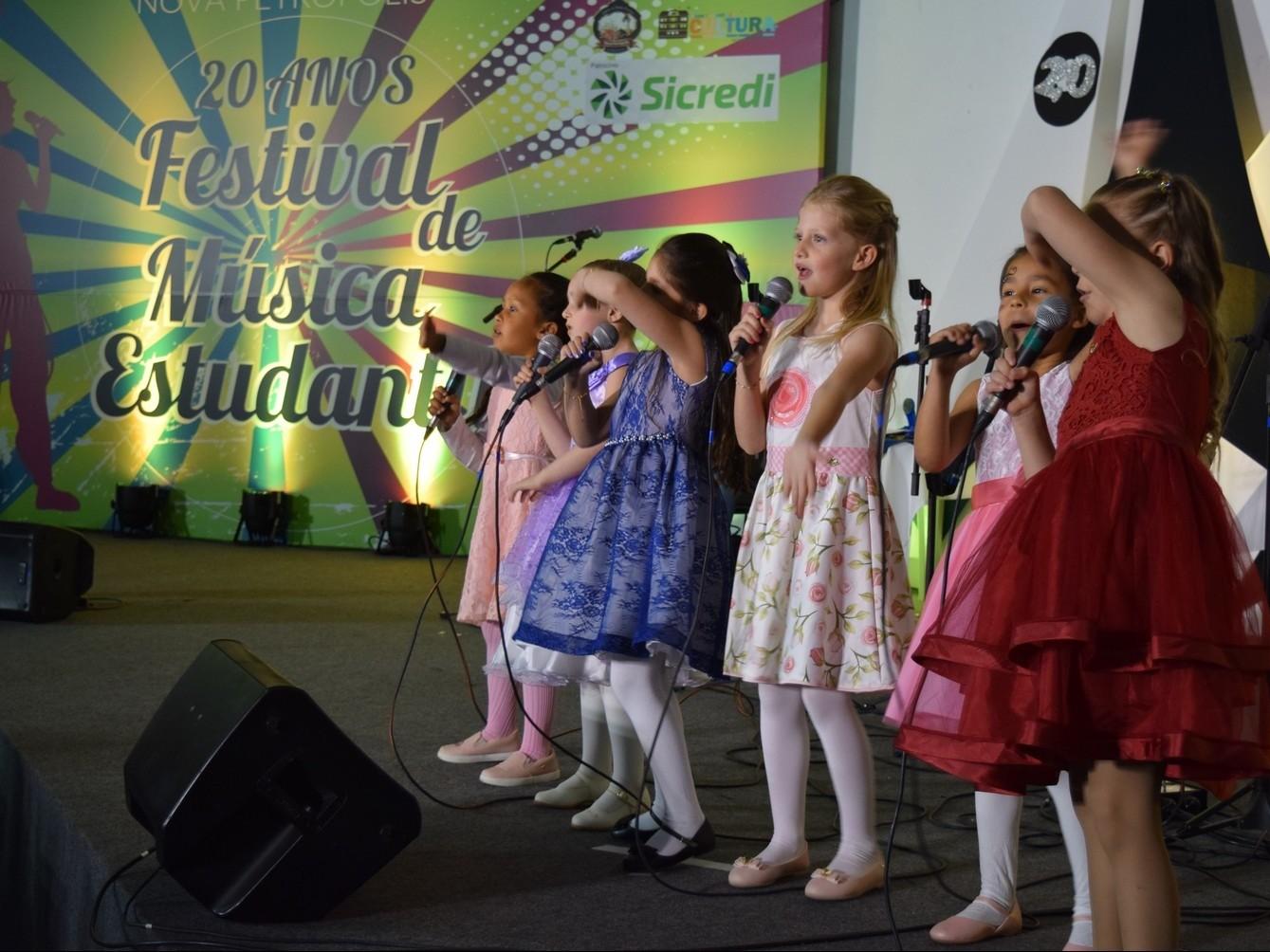 Foto de capa da notícia: 21º Festival Municipal de Música Estudantil mobiliza Nova Petrópolis