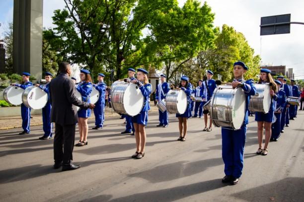 Foto de capa da notícia: Desfile Cívico de 7 de Setembro contará com 2 mil pessoas