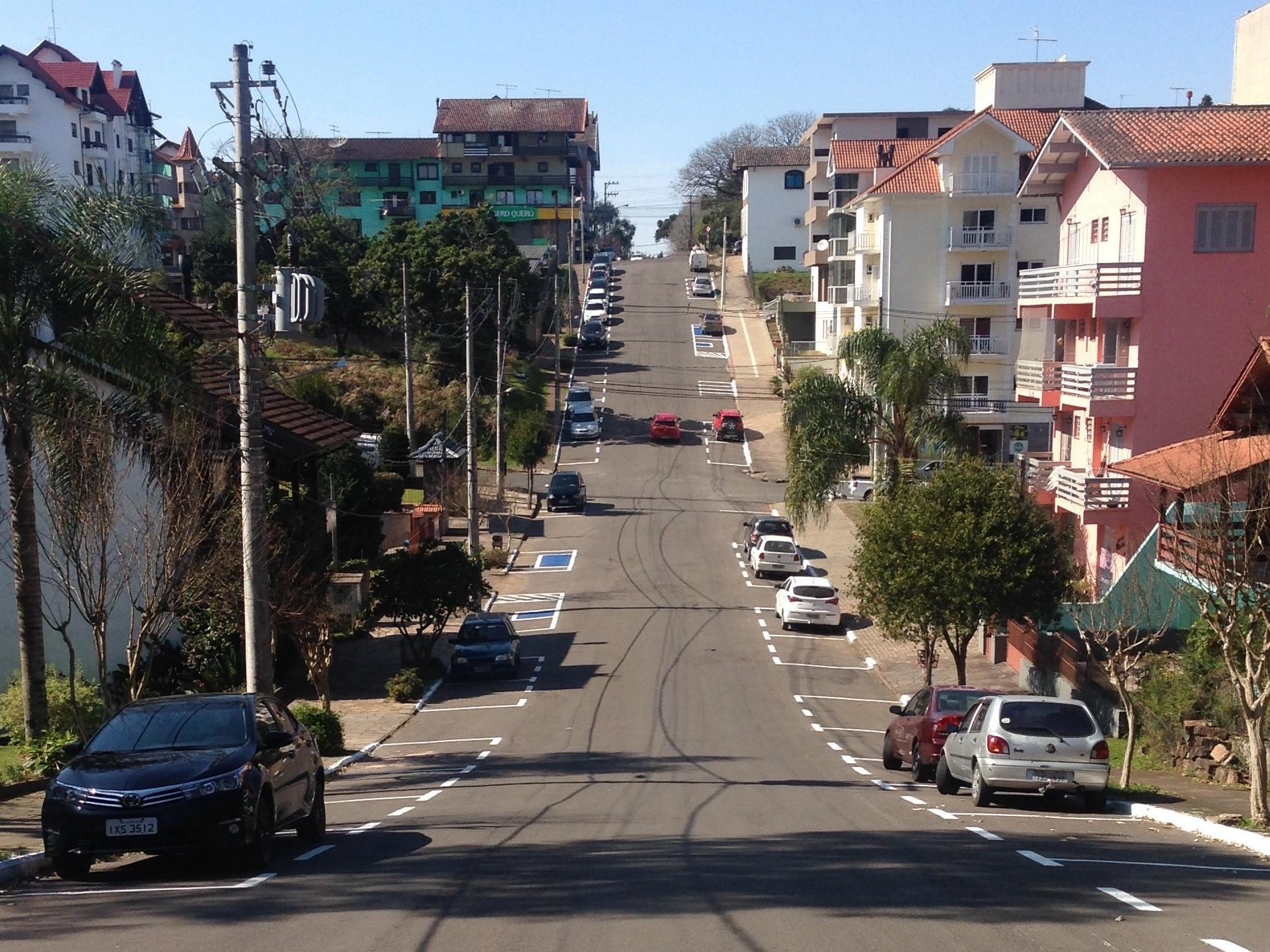 Foto de capa da notícia: FGTAS/Sine Nova Petrópolis anuncia 14 vagas para controlador de tráfego