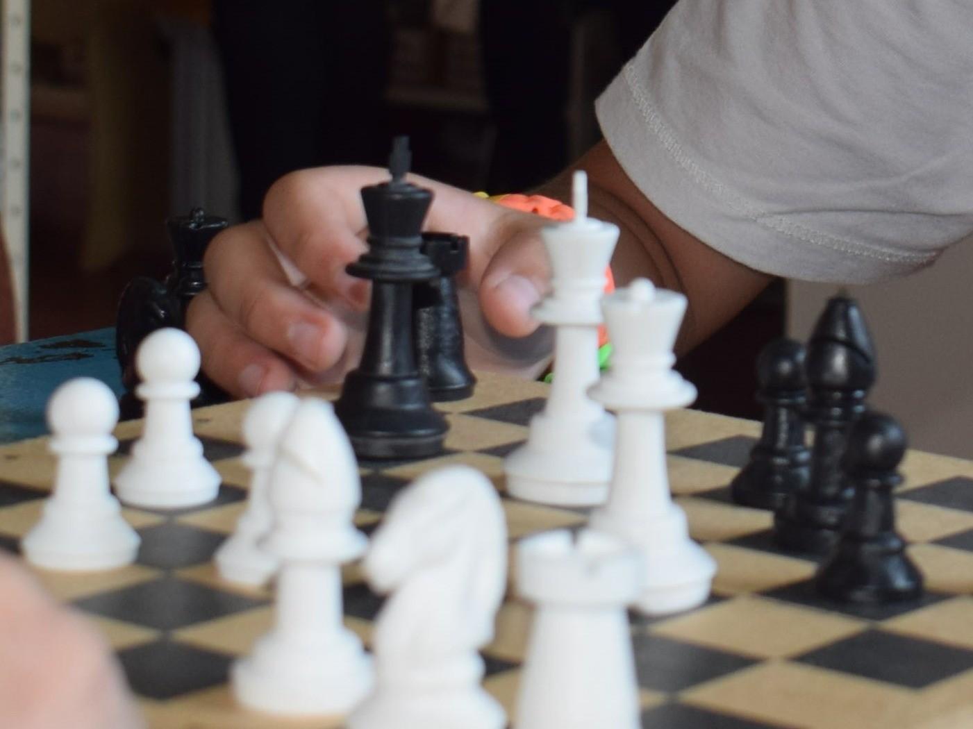 Foto de capa da notícia: Biblioteca Pública Luiz Carlos Barbosa Lessa realiza Torneio de xadrez