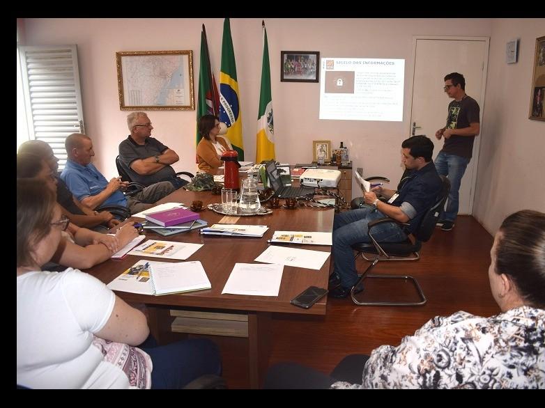 Foto de capa da notícia: Equipe Municipal acompanhará o Censo 2020