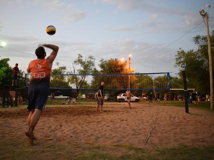 Foto de capa da notícia: Torneio de Vôleibol