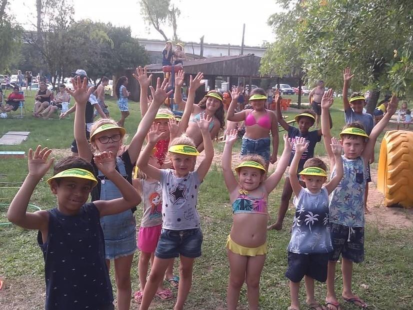 Foto de capa da notícia: Atividade esportiva para crianças no balneário