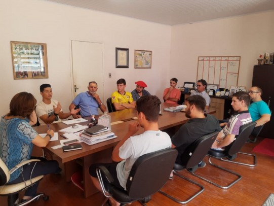 Foto de capa da notícia: Artesãos Cristalenses recebem incentivo