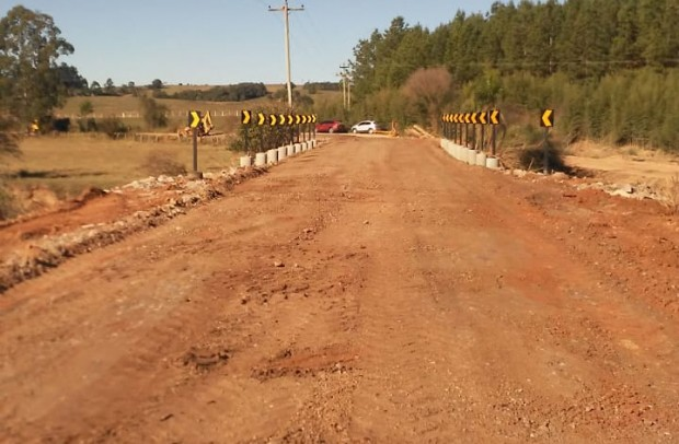 Foto de capa da notícia: Nova estrutura sobre o arroio Ceriaco está liberada para passagem