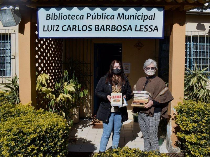 Foto de capa da notícia: Biblioteca recebe doação de acervo