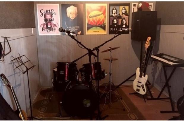 Foto de capa da notícia: SMTECJ disponibiliza estúdio para ensaios