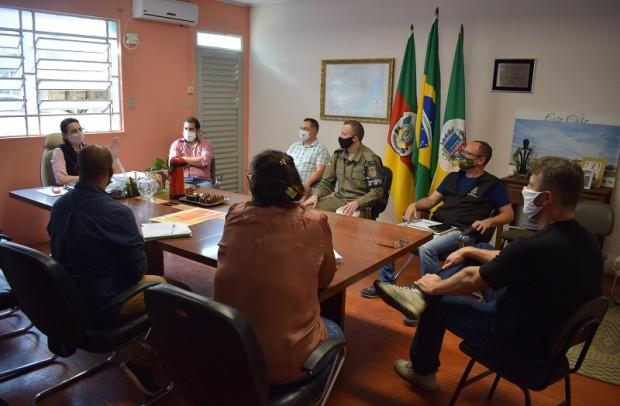 Foto de capa da notícia: Reunião do Comitê Covid-19